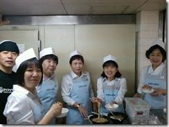 o0640048011196597600京阪 厨房の皆さん