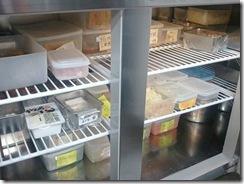 新栄店厨房改造済み 冷蔵庫の中2