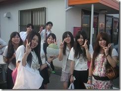 23ラーメン祭 女学生